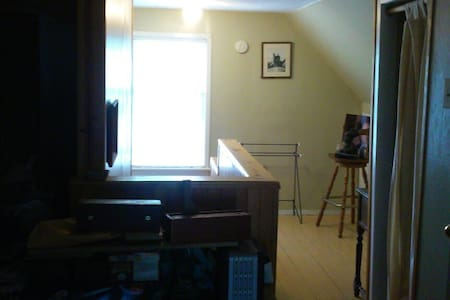 Your private floors - West Haven - Ev