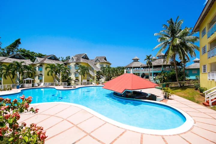 Great Escape at Mystic Ridge Resort - Ocho Rios - Társasház