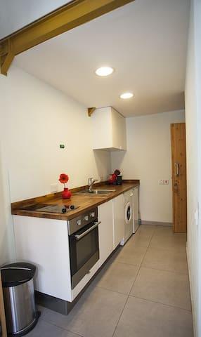 Ideal Location Amazing Apartment !! - Limassol - Lakás