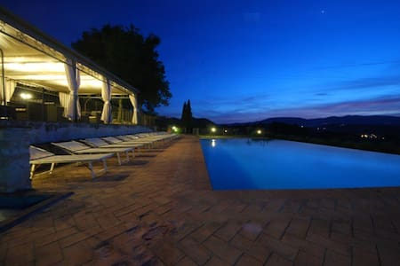 Spoleto by the pool (Apt 5)