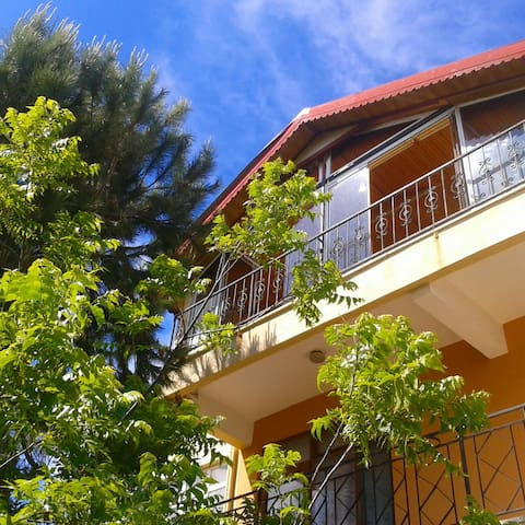 A house in silent heaven.. - Alanya
