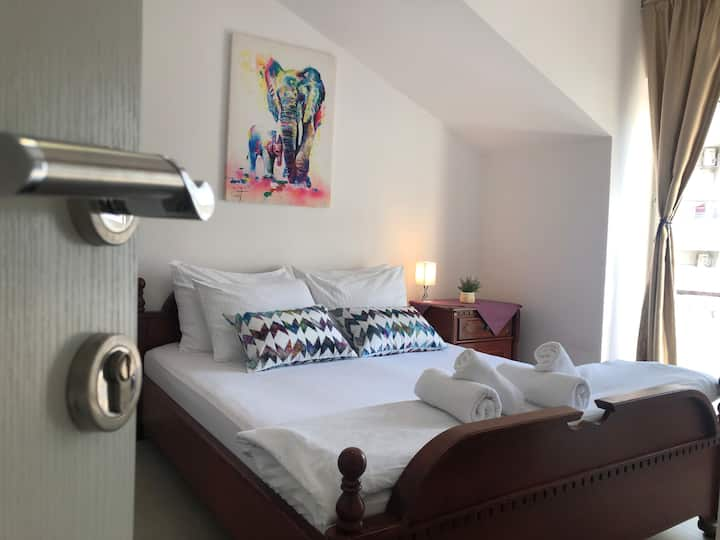 Cosy DBL Room with Private Bathroom @ Budva Center