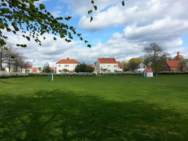Cozy apartment in central Ystad with big garden