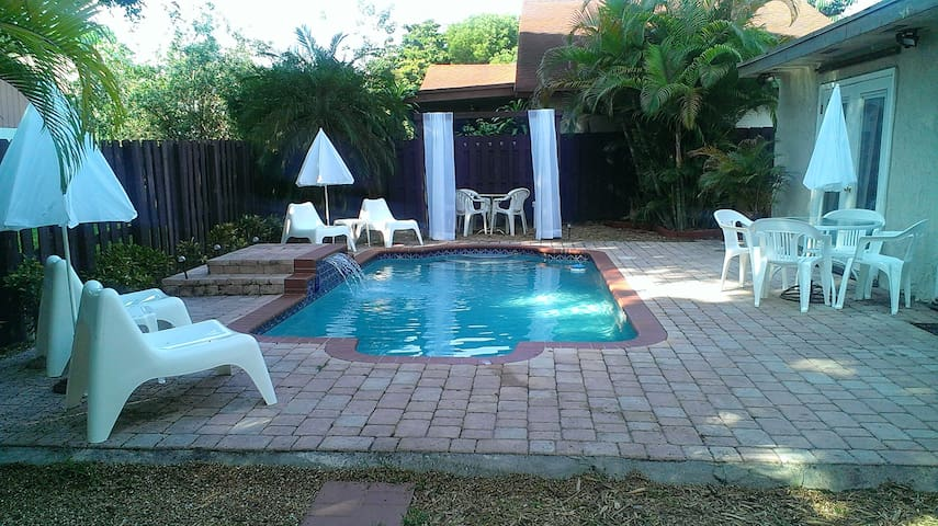Your own private Oasis at a value price in Miami! - Miami - Pis