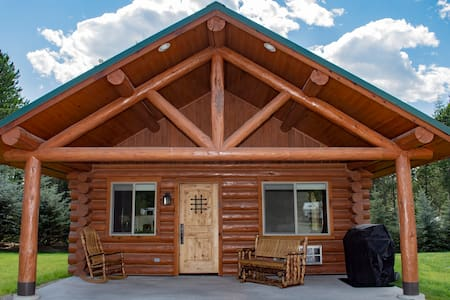 Private One Bedroom Cabin Bonners Ferry