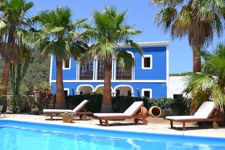 AUTHENTIC VILLA IBIZA STYLE, 10 MINUTES FROM BEACH - Sant Joan de Labritja - Vila