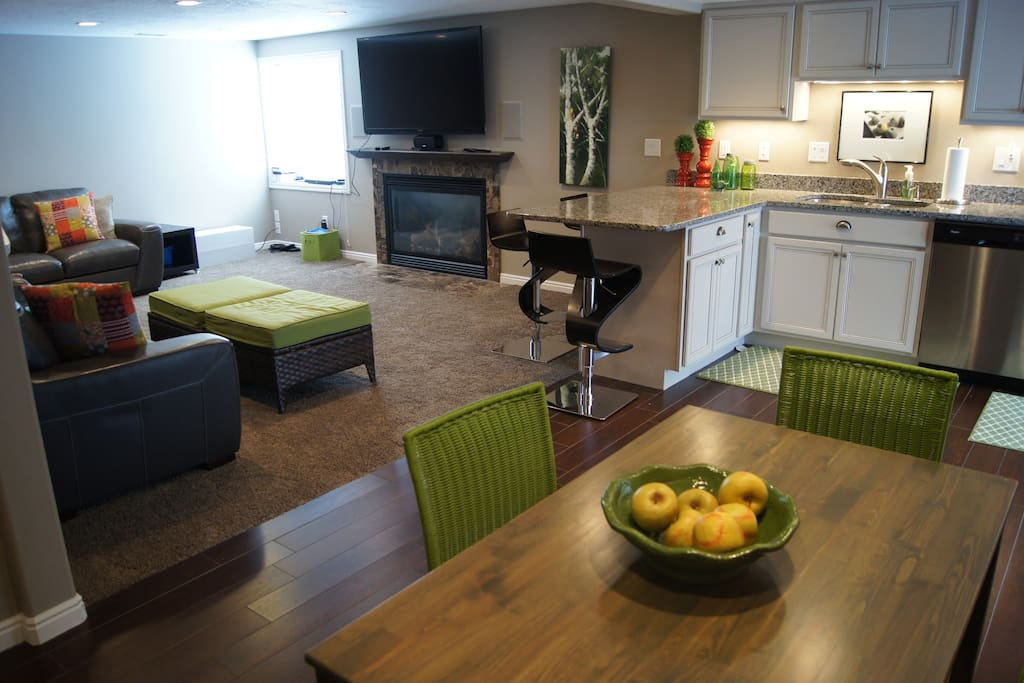 Open floorplan with Family Room, Fireplace, Counter Dining, Full Kitchen and Breakfast Nook.