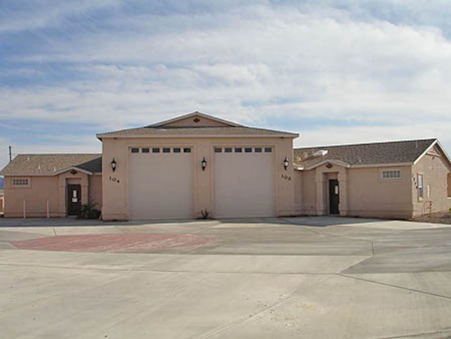 1 Bed Villa 105 W Rv Garage Townhouses For Rent In Lake