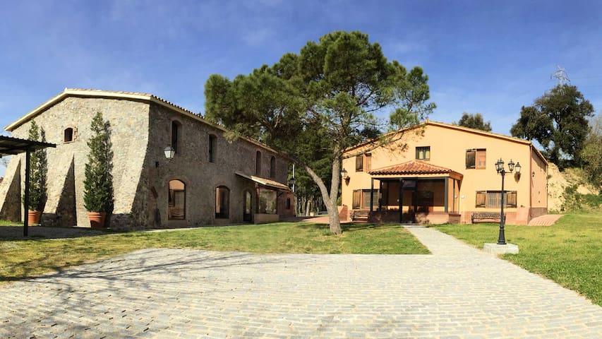 Casa Rural Mas Caputxa-Casa Piedra - Hostalric - Rumah