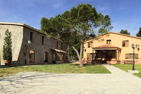 Casa Rural Mas Caputxa-Casa Piedra - Hostalric
