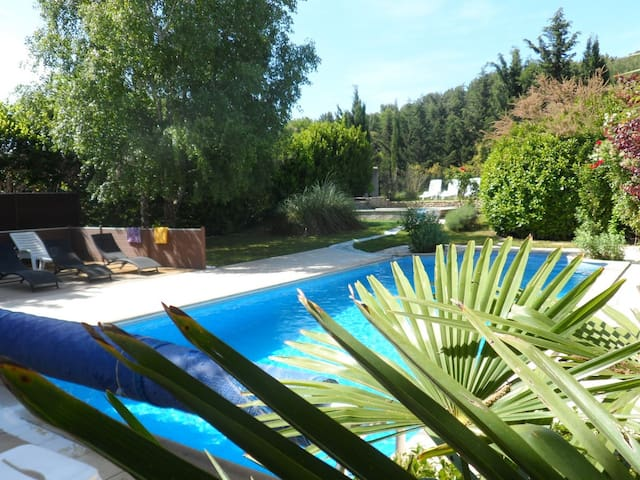 Villa & 2 piscines chauffées + abri - Mazan - Villa