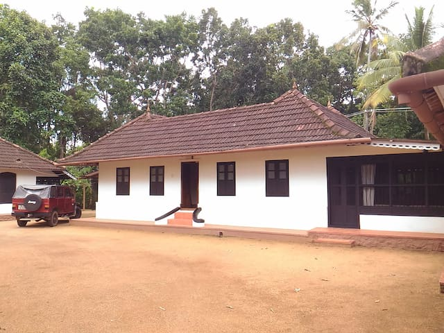 Mappillassery Mansion Premium Heritage Homestay - Champakulam - House