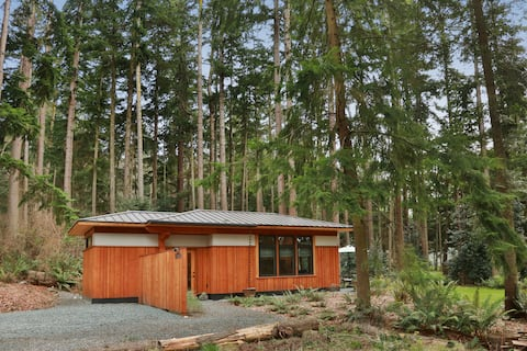 Dreamy Modern Cottage Retreat Space - New Listing