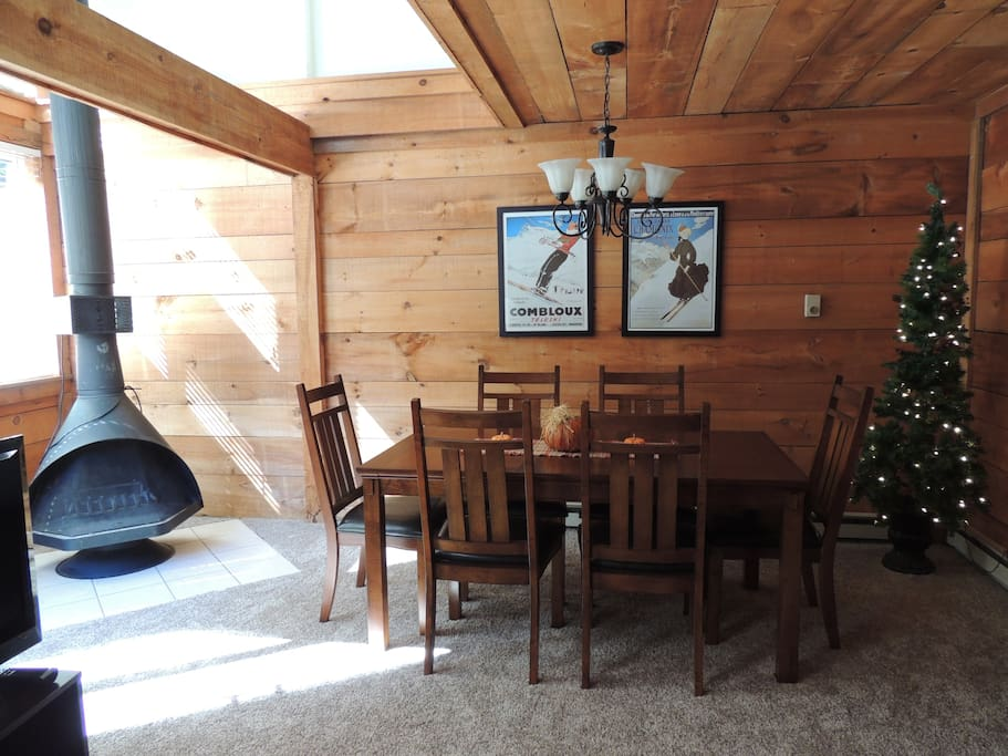 Dining Room/Small Deck off Room