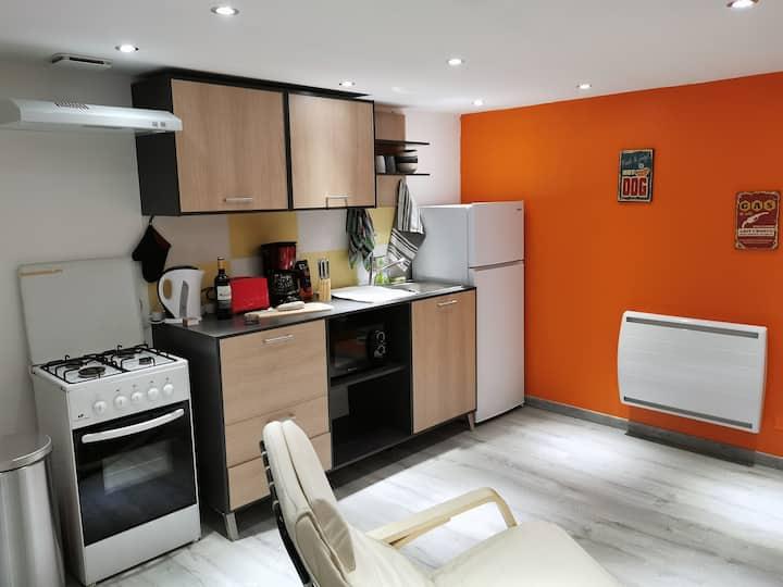 Chambre privative avec SDB, WC + logement entier *