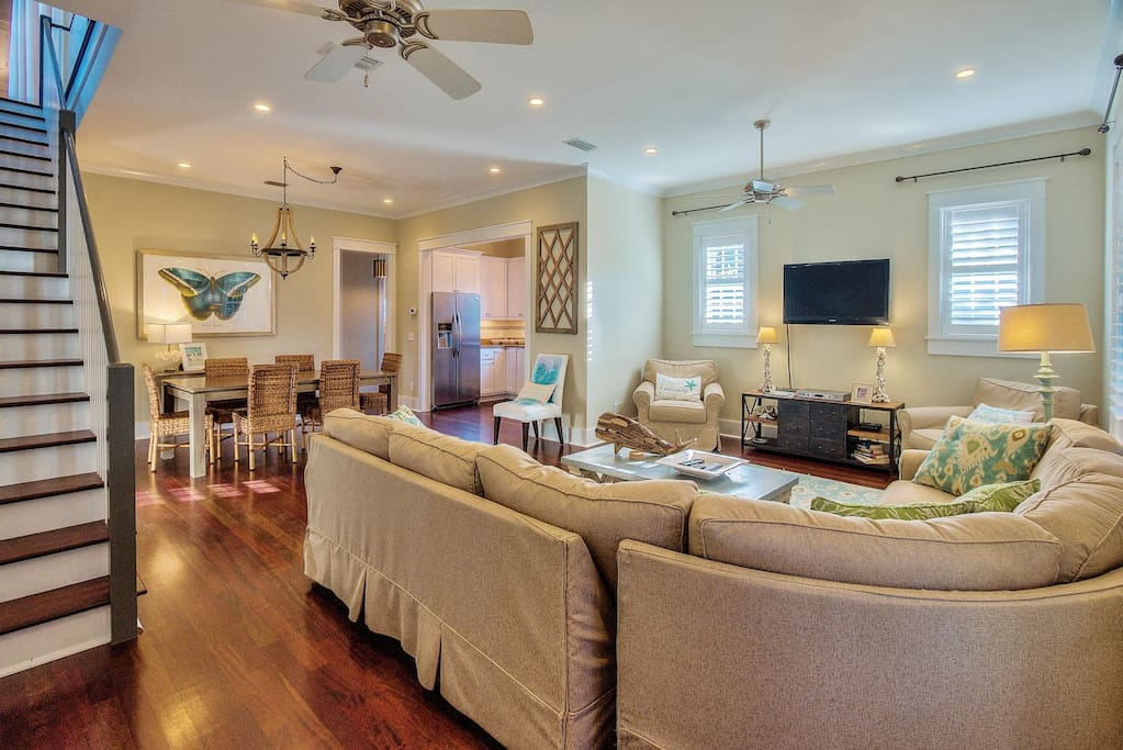 Rosemary Beach - Open floor plan with flat screen HD TV and TIVO DVR.