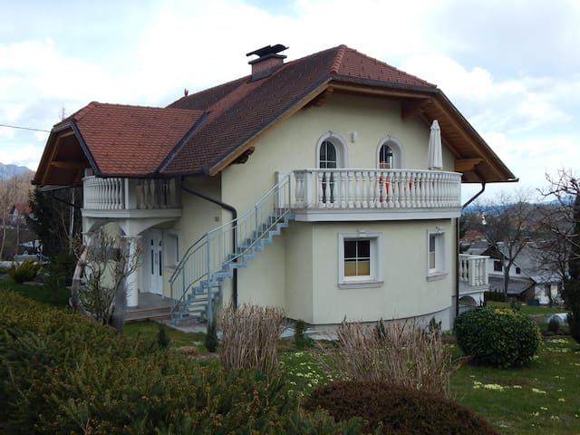 Family Room with Shared Bathroom - Spodnje Gorje - Dom