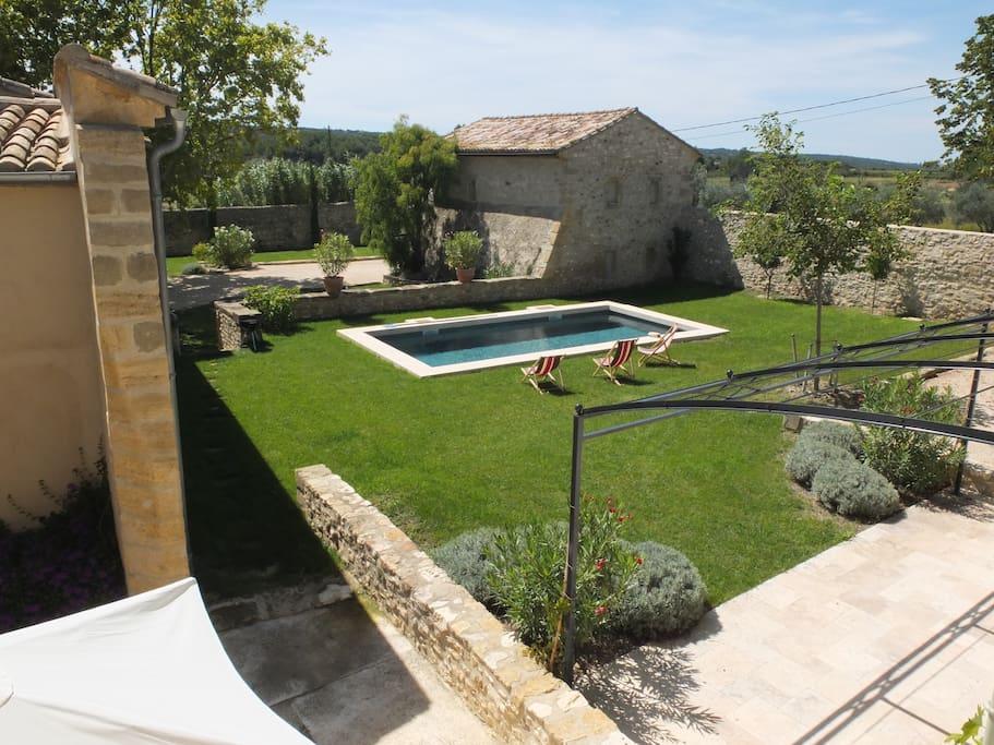 Petit mas c t d 39 uzes maisons louer saint for Le petit jardin uzes