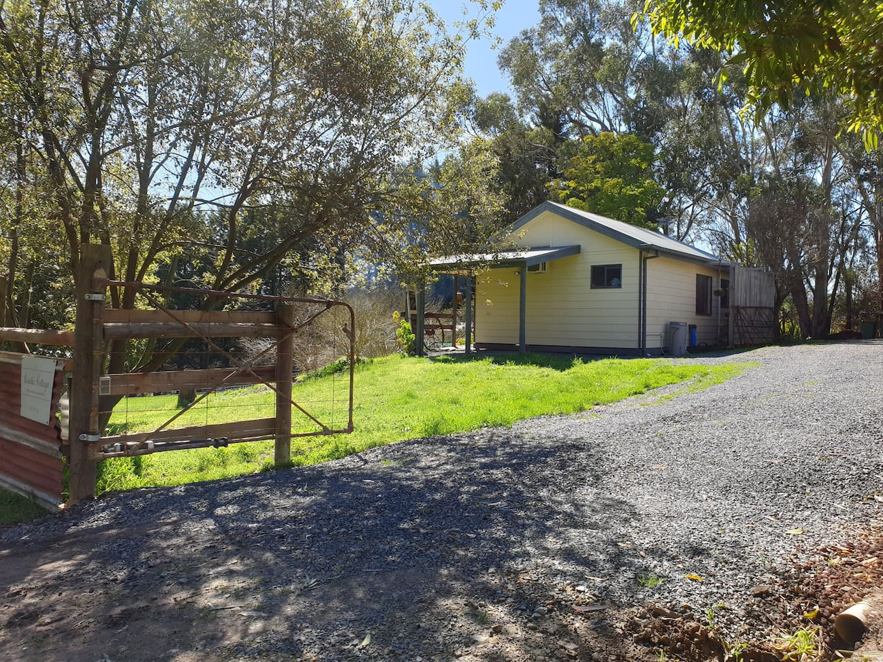 Lusatia Cottage, self contained accommodation in the Yarra Valley
