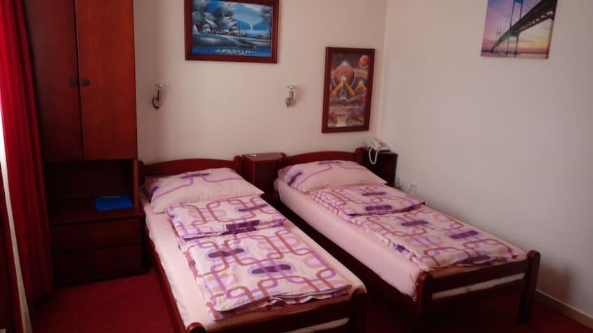 Panorama Depandans room 1