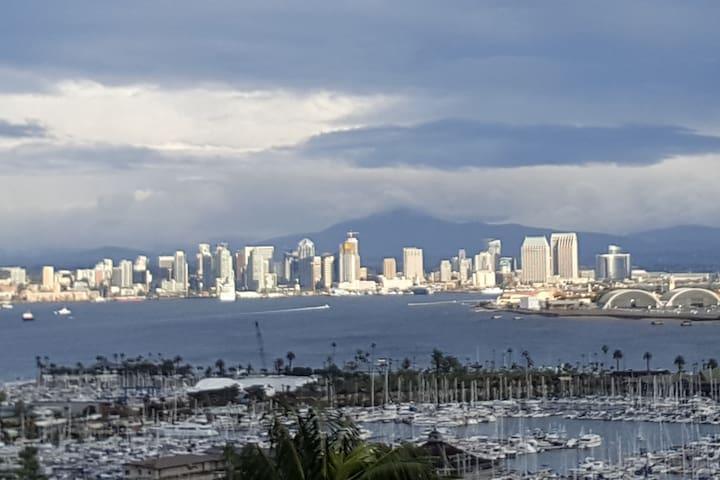 Stunning San Diego Views Master Bdm w Private Bath
