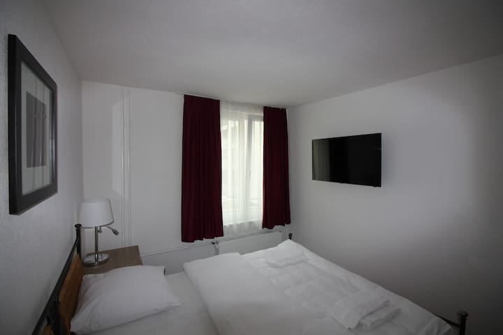 Swiss Star Brewery - double room (shared bathroom)