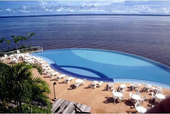 Edgeless swiming pool