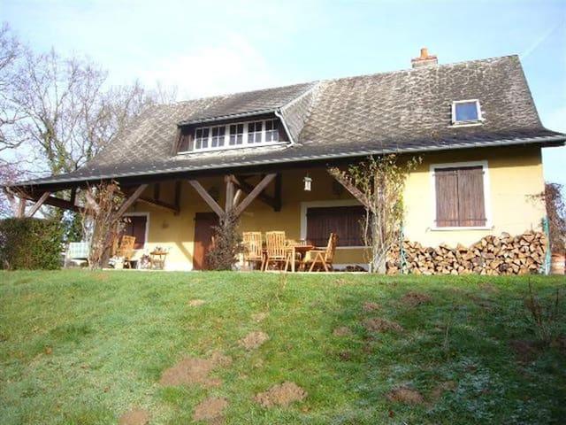 Maison avec vue et calme assuré ! - Saint-Amand-en-Puisaye - Dom