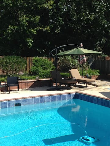 Wonderful pool home to enjoy in High Point