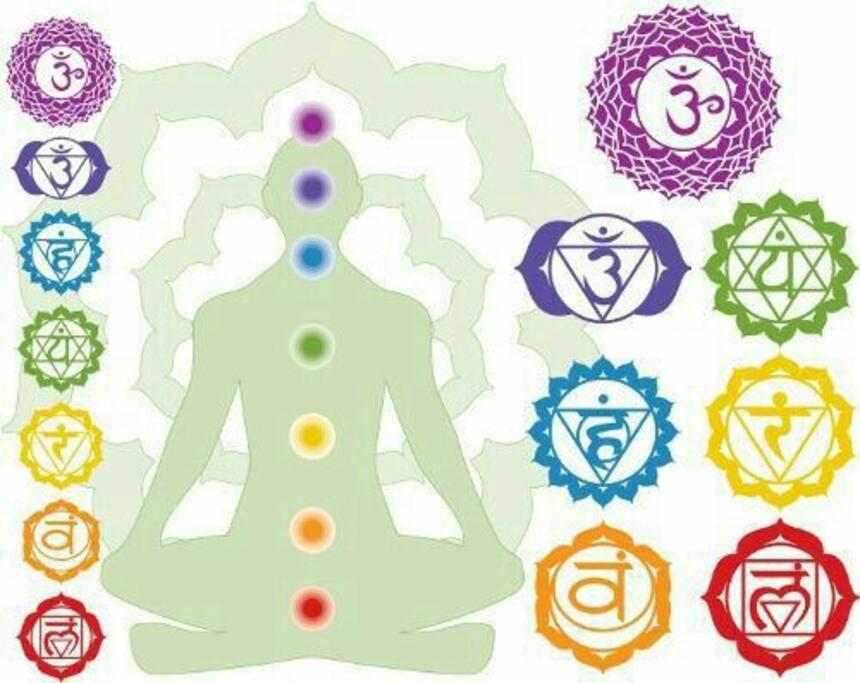 Trattamenti reiki e meditazione.