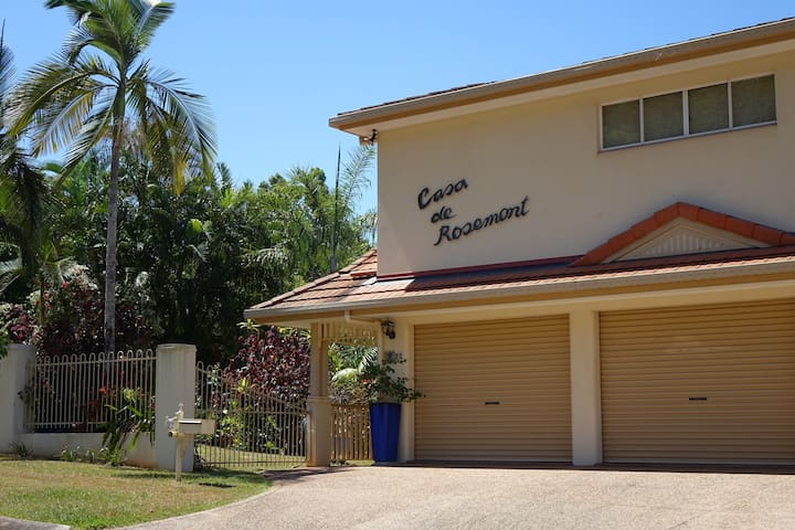 Casa de Rosemont, home away from home, Mooroobool. - Mooroobool - Dům
