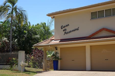 Casa de Rosemont, home away from home, Mooroobool. - Mooroobool
