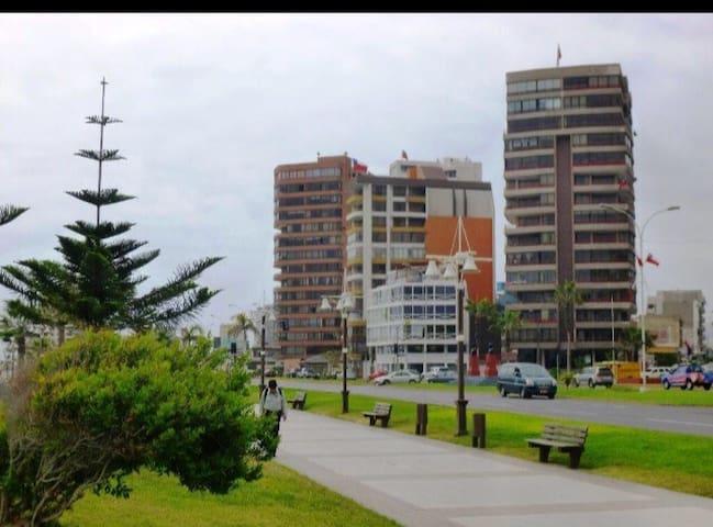 La mejor ubicación de la ciudad.  Playa y casino
