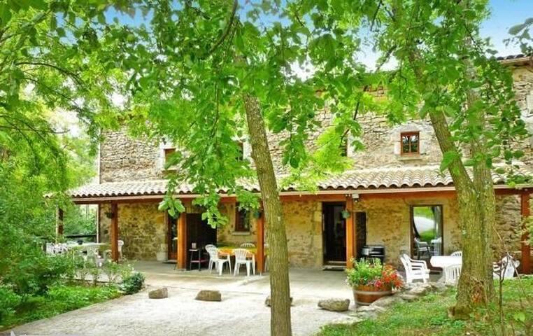 Gîte 4 à 6 personnes en Ardèche