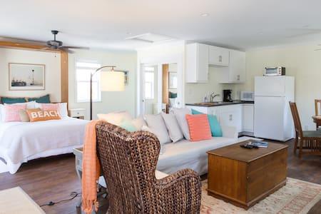 COTTAGE BY THE BEACH - Manhattan Beach - Apartmen