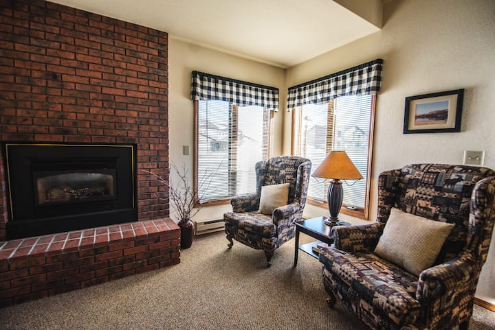 Red Lodge Condo with a Pool / Hot tub / Sauna