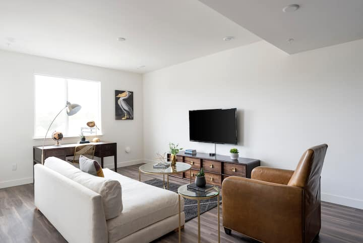 TRIBE ❤️ Deep Cleaned 🧽 2BR @ Downtown San Jose