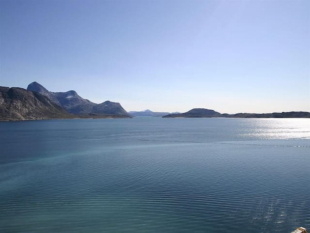 Stunning mountain and sea view in Nuuk, Greenland - Nuuk - Apartment