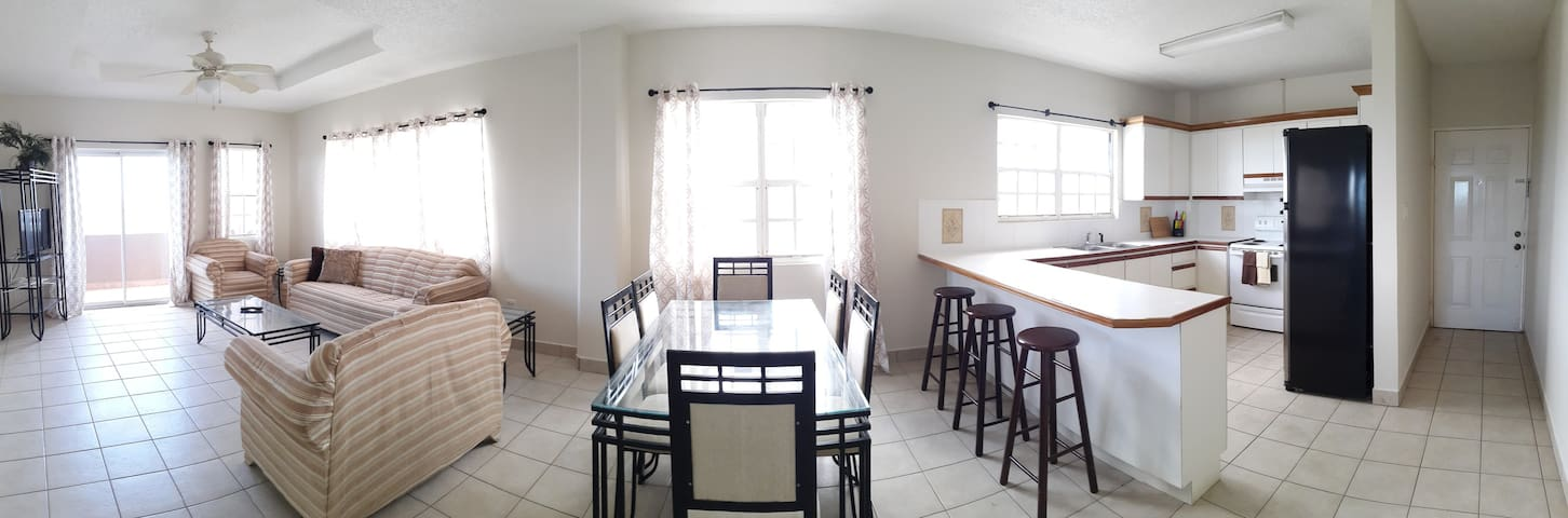 Sea Side Vacation Rental - Belize City - Apartment