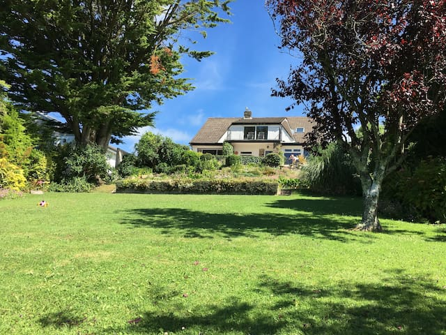 Strands, Bude, lovely annexe with stunning views