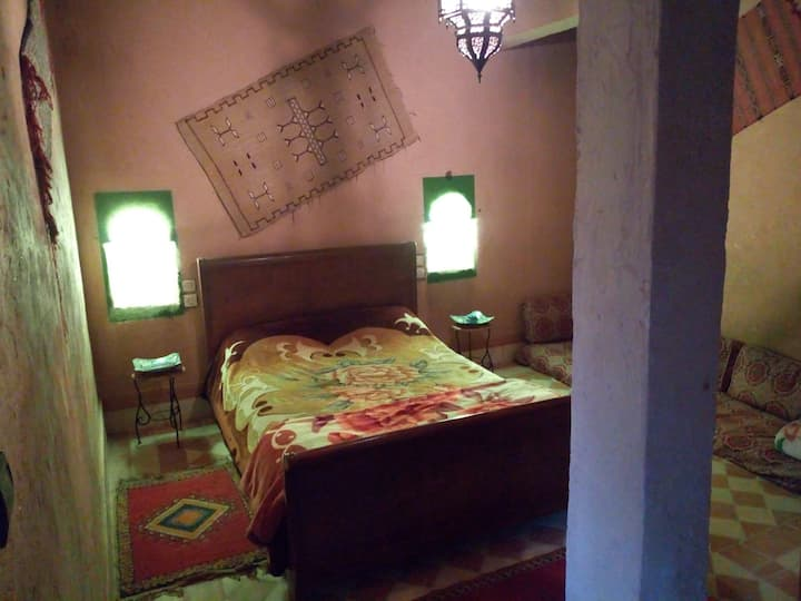 targant house (private bathroom,2guests )