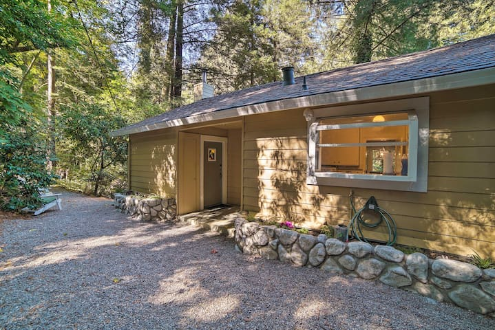 Located on the banks of the San Lorenzo River, this home is great for 8.