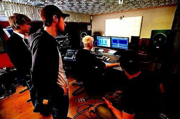 Recording Studio - Ambler - อื่น ๆ