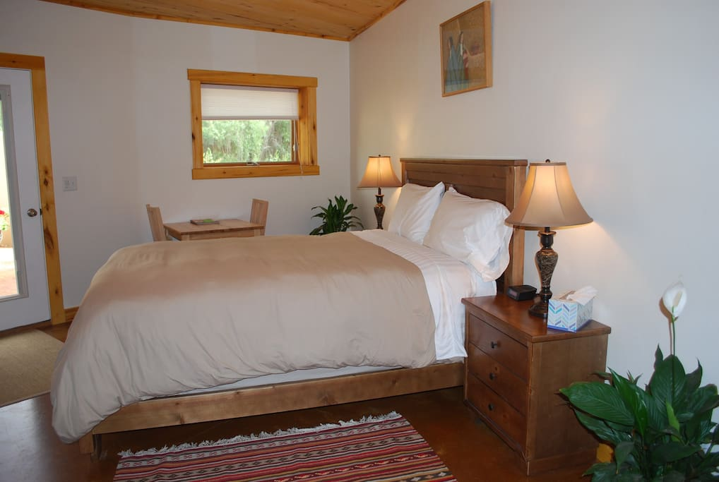 Organic sanctuary coyote room red moon lodge chambres d for Moab salle de bain