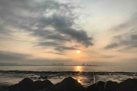 厦门环岛路孤独的海边民宿 出门就是沙滩纯海景体验房(连住优惠)