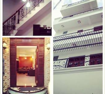 Luxurious modern accomodation - Colombo - Villa