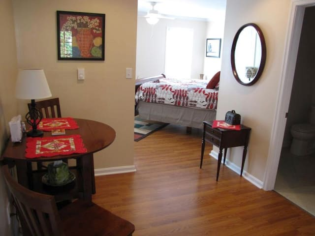 Charming Apartment - Gettysburg - Apartment