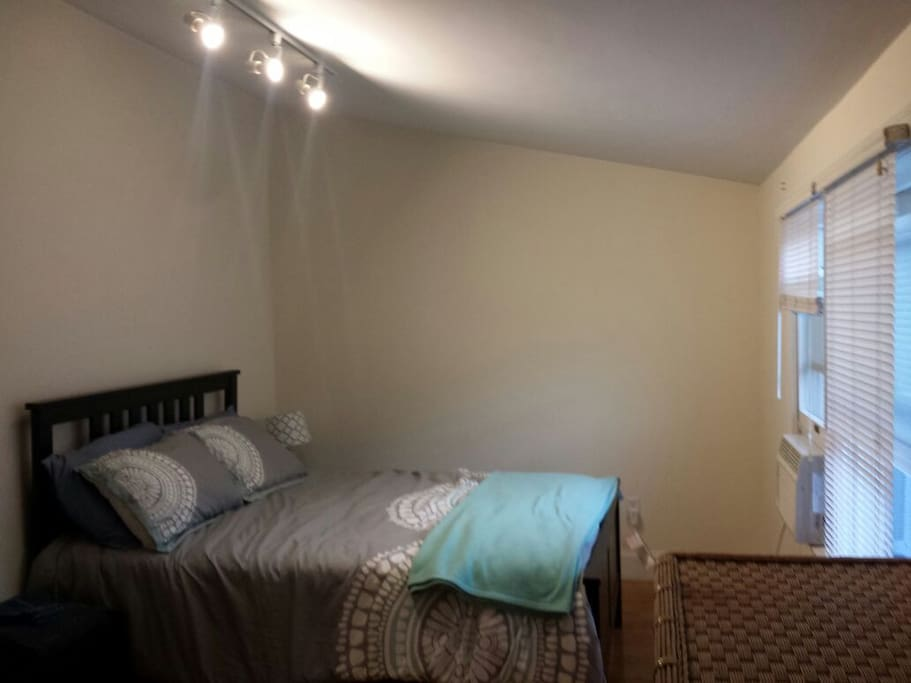 Control your own A/C and heat. Closet space and drawers also available in the room