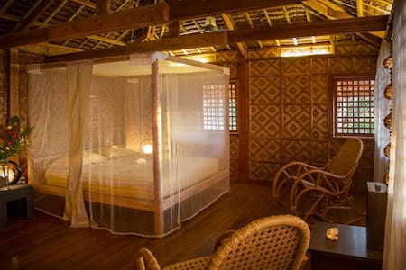Maison Ulysse, Bamboo with Sea View - Ronda - Bed & Breakfast