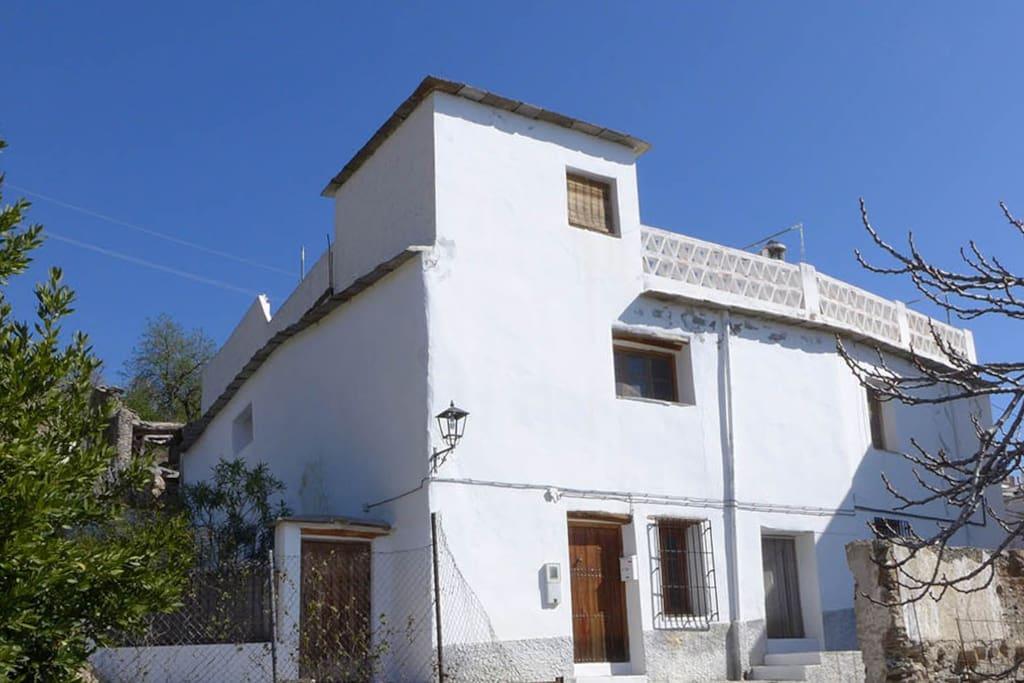 La Casa Ultima, the house